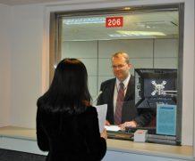 Xin visa Mỹ đối tượng nào được miễn phỏng vấn?