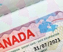 Cách nộp hồ sơ xin visa du lịch Canada online và offline